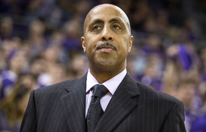 Lorenzo Romar's Husky team took Arizona down to the wire, but ended up losing 77-72 Saturday.