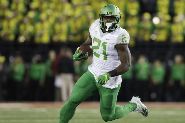 Report: Oregon expected to start true freshman QB Justin ...