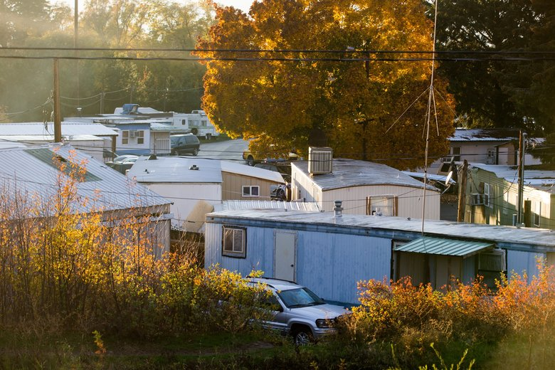 Mobile Home Park S Residents Left In Dark As Homes Are