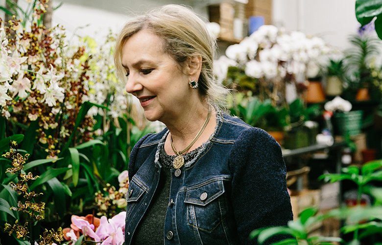 """Laura Dowling, former White House chief floral designer, in New York, March 20, 2017. Her new book, """"Floral Diplomacy at the White House,"""" describes some decorating drama at her former workplace – including stories of bees on the loose at President Barack Obama's 50th birthday barbecue and """"molecular"""" arrangements for German Chancellor Angela Merkel, who holds a chemistry degree. (Tawni Bannister/The New York Times)"""