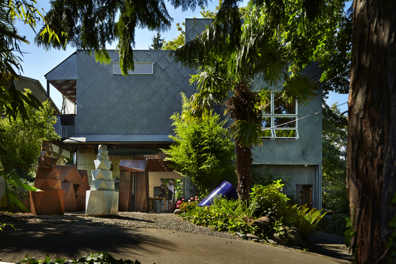 Pacific Northwest Magazine. Pacific Northwest Living. Peter Millett and Sherry Markovitz residence.