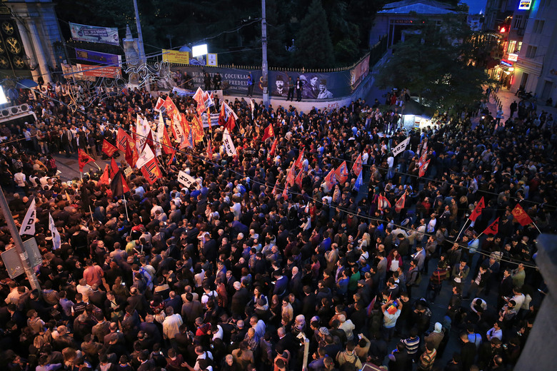 Demonstrators gather during a rally to protest against the bombing in Ankara earlier, in central Istanbul, Saturday, Oct. 10, 2015. Thousands of protestors flooded the main street in central Istanbul shouting slogans condemning the twin bombings that killed dozens of people in nation¹s capital. The two bomb explosions targeted a peace rally, that was aimed to call for an end to the renewed violence between Kurdish rebels and Turkish security forces. (AP Photo/Lefteris Pitarakis)