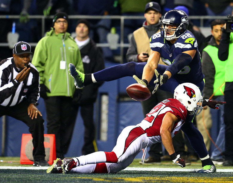 Seahawks tight end Jimmy Graham attempts to make a touchdown catch but Cardinals safety Tyrann Mathieu is called for pass interference during the second quarter. (John Lok / The Seattle Times)