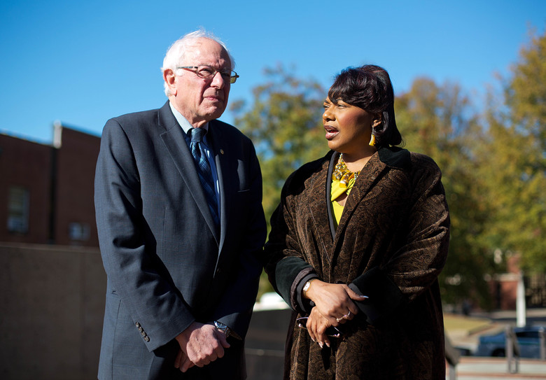 Democratic presidential candidate Sen. Bernie Sanders, I-Vt., left, meets with Dr. Bernice King, daughter of the Rev. Martin Luther King Jr., during a visit to The King Center Monday, Nov. 23, 2015, in Atlanta. (AP Photo/David Goldman)