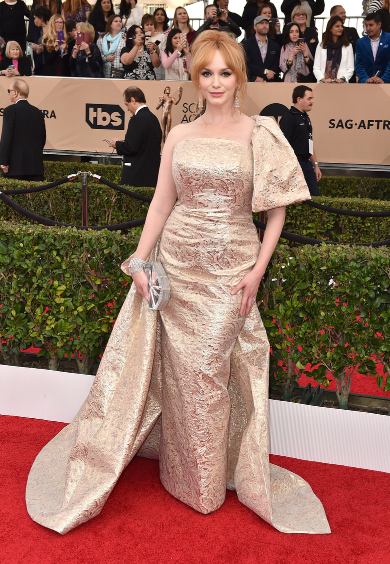 Christina Hendricks arrives at the 22nd annual Screen Actors Guild Awards at the Shrine Auditorium & Expo Hall on Saturday, Jan. 30, 2016, in Los Angeles. (Photo by Jordan Strauss/Invision/AP)