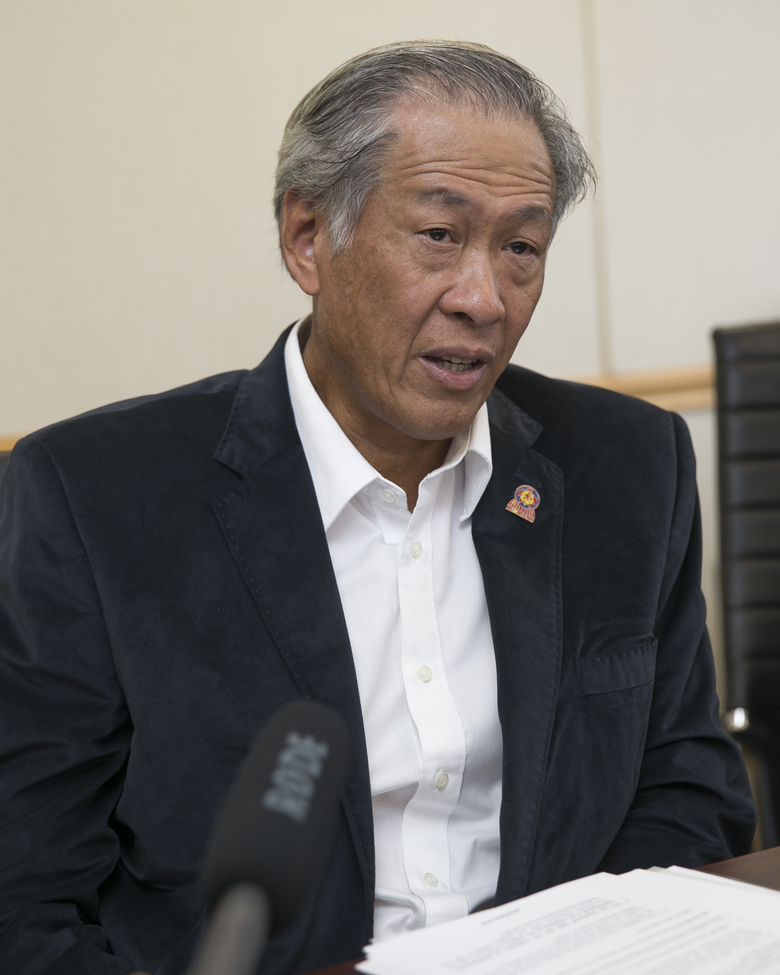 Defense ministers discuss defusing South China Sea ...