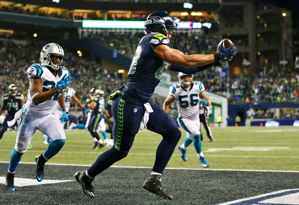 Seahawks tight end Jimmy Graham catches a touchdown pass in the fourth quarter. (Johnny Andrews / The Seattle Times)