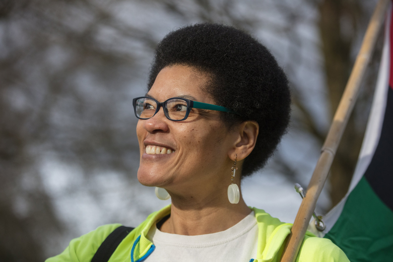 Liz Davis eagerly starts a recent walk in a Central District neighborhood. She lost 200 pounds with common sense — and lots and lots of walking.  (Steve Ringman/The Seattle Times)
