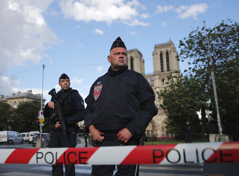 Notre Dame, Paris: Hundreds put in terror lockdown
