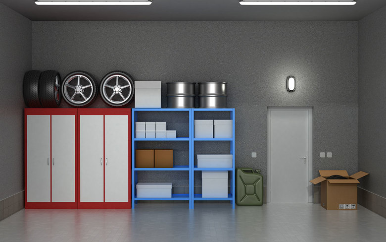 "Peter Walsh advocates a vertical approach to organizing, and says a flat garage floor is ""not for storage.""  (THINKSTOCK)"