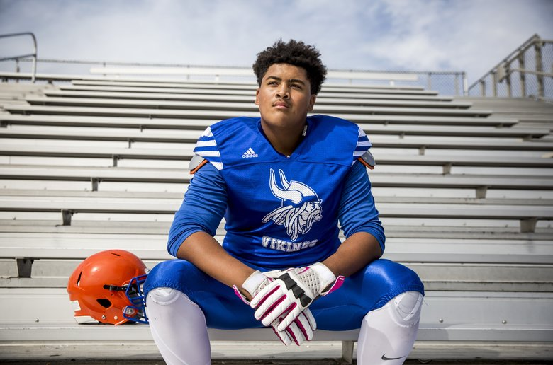 Rainier Beach lineman Nathaniel Kalepo signed to play for the Washington Huskies. (Bettina Hansen/The Seattle Times)