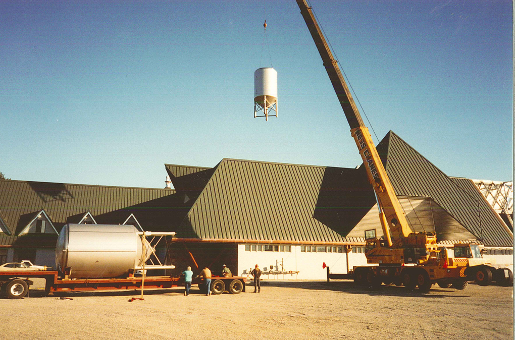 Redhook's Woodinville brewery receives its first tanks as the new facility nears completion in 1994. (Courtesy Redhook Ale Brewery)