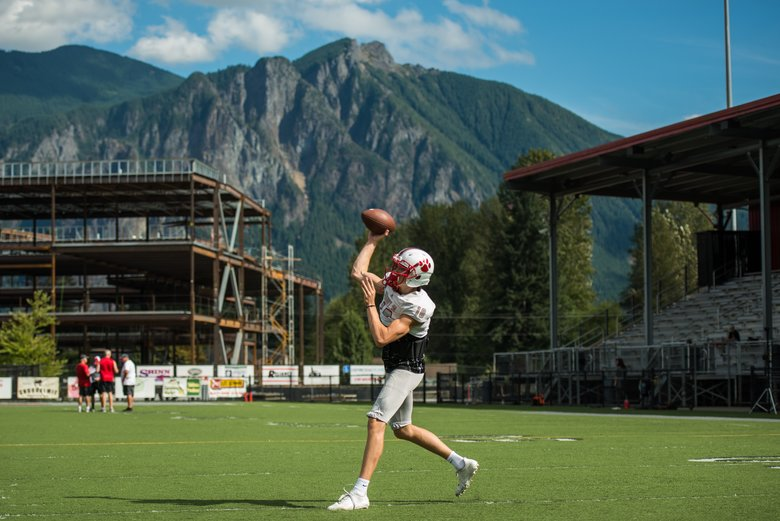 Mount Si quarterback Cale Millen (10) throws a pass during practice last week. (Amanda Ray/The Seattle Times)