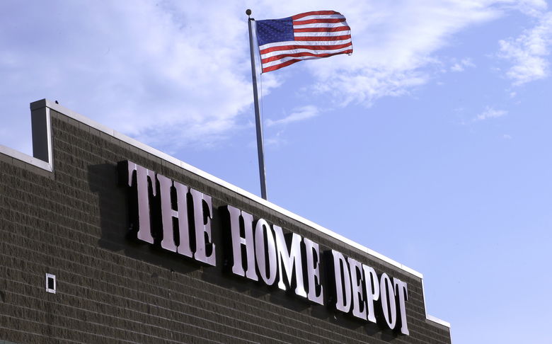 Home Depot's quarterly profit jumps 10 pct