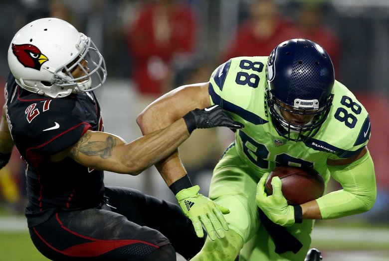 Seattle Seahawks tight end Jimmy Graham (88) catches a touchdown pass Thursday, Nov. 9, 2017, in Glendale, Ariz. (AP Photo/Ross D. Franklin)