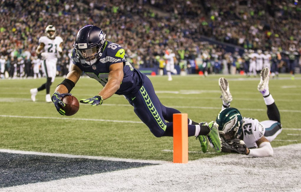 Doug Baldwin dives for the end zone, but is ruled out at the 1-yard line following a 47-yard catch in the 3rd quarter. (Dean Rutz / The Seattle Times)