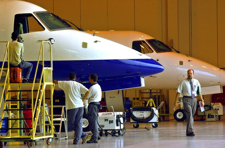 Boeing in talks with Embraer; Brazil backs jetliner alliance