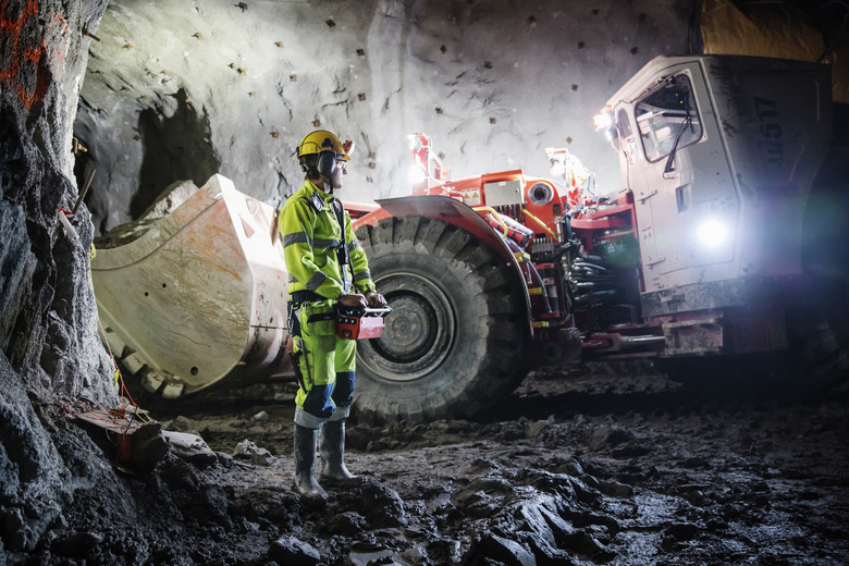 Oskar Pals, 19, operates a loader by remote control at the New Boliden mine in Garpenberg, Sweden. (LINUS SUNDAHL-DJERF / NYT)