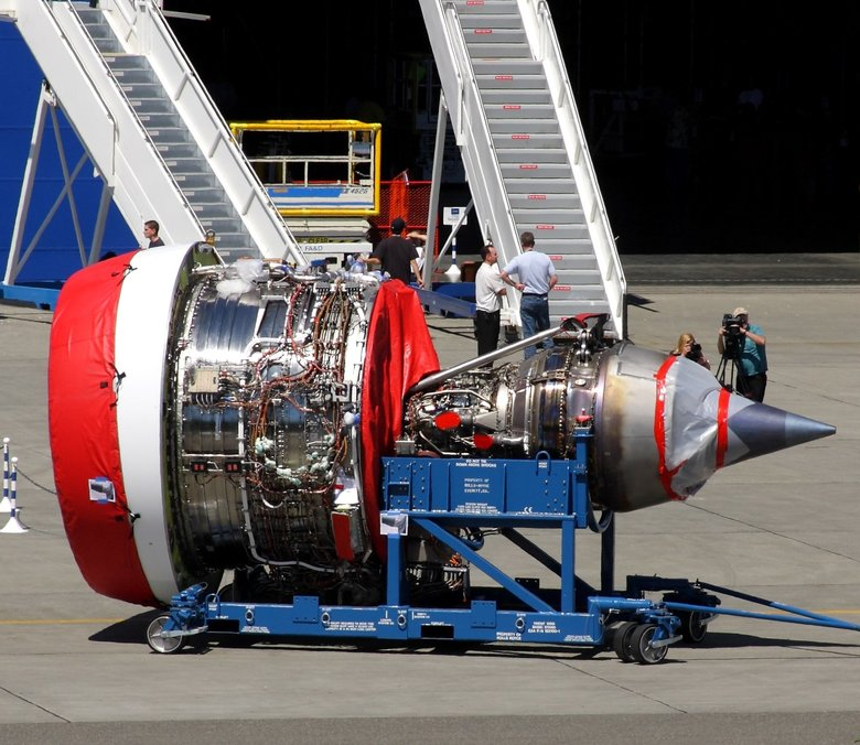 A Rolls-Royce Trent 1000 engine outside Boeing's Everett factory in 2008.  ( Matt Cawby/paineairport.com)