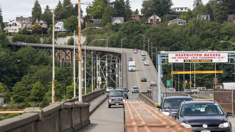 The Magnolia Bridge, looking west from the bridge deck where it connects to Magnolia.  (Mike Siegel/The Seattle Times)