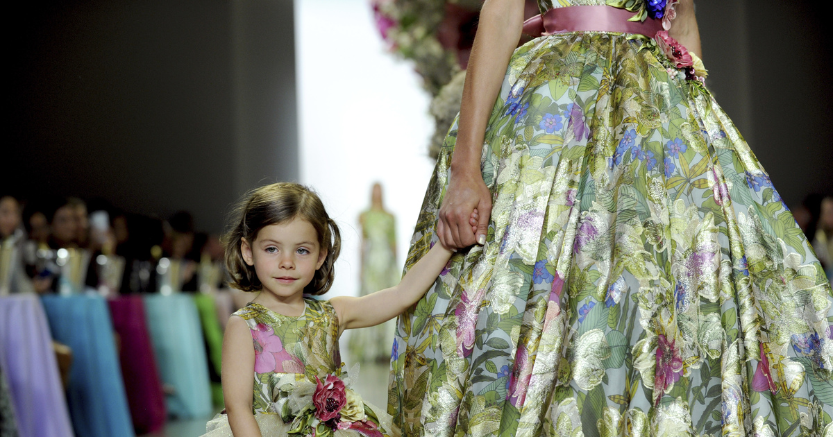 Badgley Mischka marks 30 years with an ode to Alice