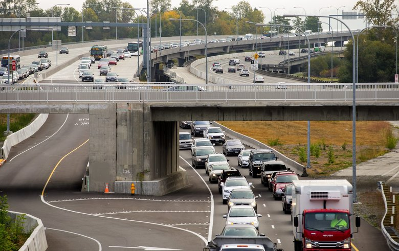 This view of Highway 520 looks east toward the western high-rise, from Montlake Boulevard in Seattle. (Mike Siegel / The Seattle Times)