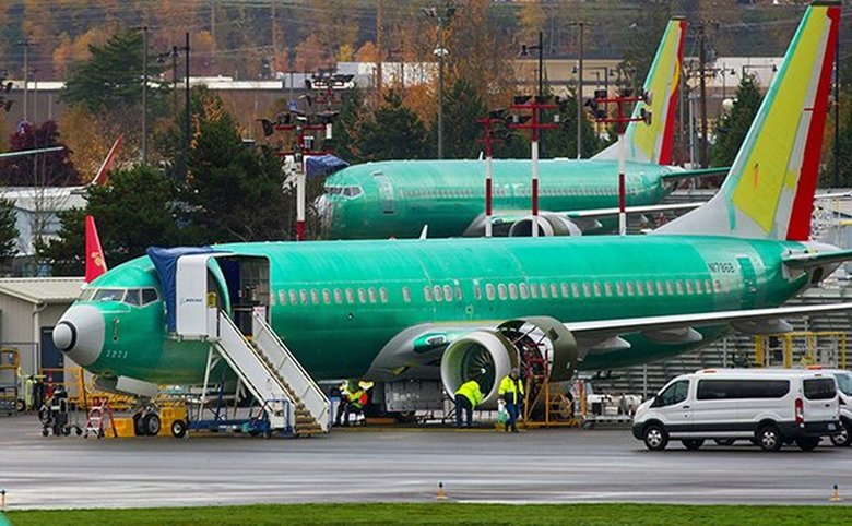Boeing's 737 deliveries up, shares dip on Lion Air concerns