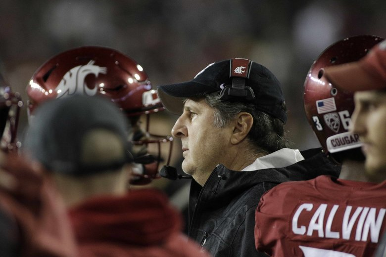Washington State head coach Mike Leach, center, looks on during the second half of an NCAA college football game against California in Pullman, Wash., Saturday, Nov. 3, 2018. (AP Photo/Young Kwak) OTK OTK (Young Kwak / The Associated Press)