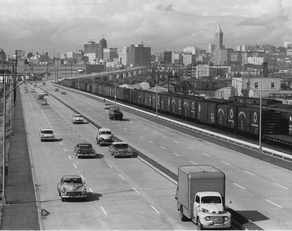 Traffic streams along the Alaskan Way Viaduct in 1959. (Paul Thomas / The Seattle Times)