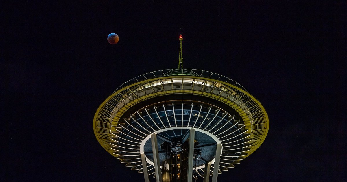 Reader's Lens | Lunar eclipse over the Space Needle