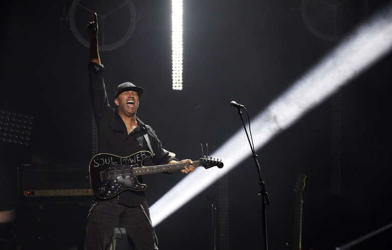 "Tom Morello of Audioslave performs during ""I Am The Highway: A Tribute to Chris Cornell"" at The Forum, Wednesday, Jan. 16, 2019, in Inglewood, Calif. (Photo by Chris Pizzello/Invision/AP)"