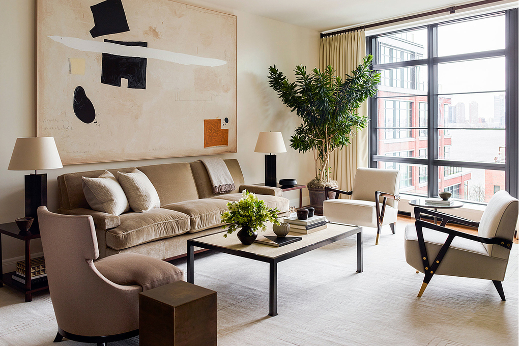 To create a calm, cohesive look in an apartment in the West Village, Alyssa Kapito used neutral accessories and added a tall Dracaena reflexa tree for a touch of green. (Alyssa Kapito)