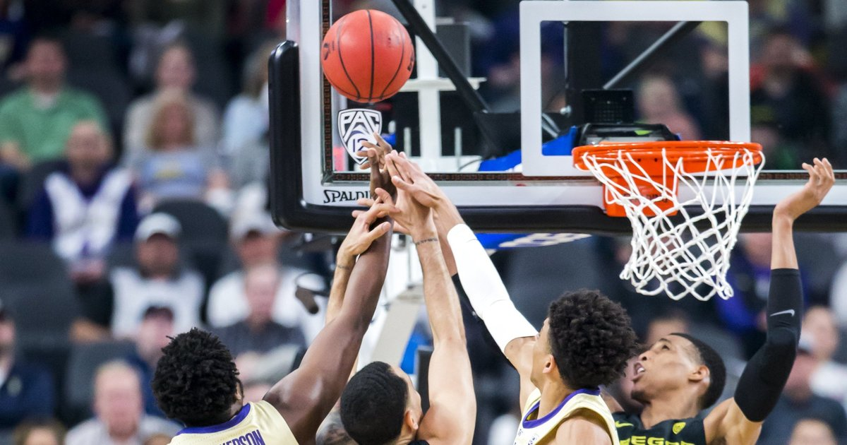 Top-seeded Huskies fall flat again against Oregon in Pac-12 tournament championship
