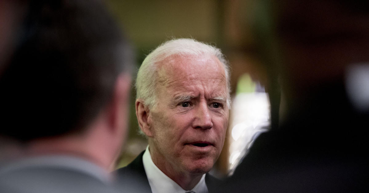 Biden's verbal slip about campaign draws Democrats' cheers