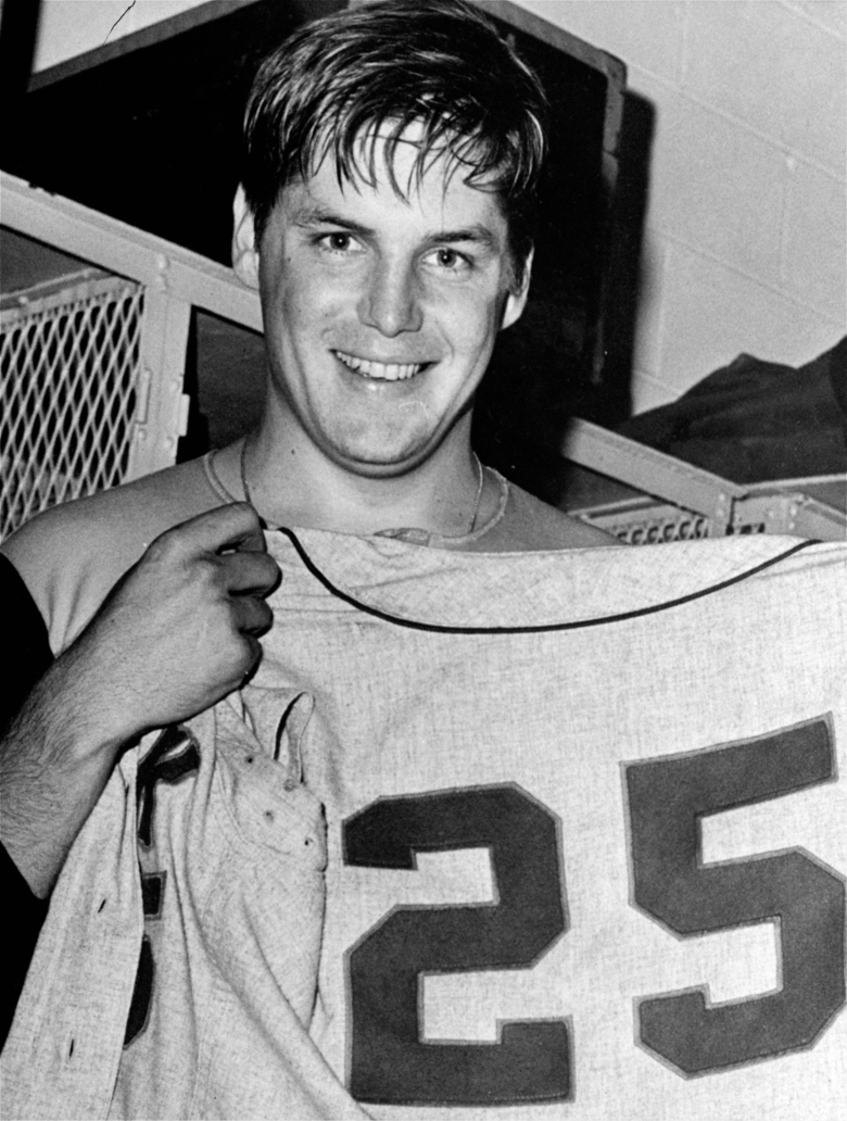 FILE – In this Sept. 27, 1969, file photo, New York Mets pitcher Tom Seaver holds up a No. 25 Mets' uniform after winning his 25th victory of the year against the Philadelphia Phillies in Philadelphia. Seaver has been diagnosed with dementia and has retired from public life. The family of the 74-year-old made the announcement Thursday, March 7, 2019, through the Hall and said Seaver will continue to work in the vineyard at his home in California. (AP Photo, File)