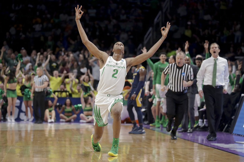 Oregon forward Louis King celebrates after scoring against UC Irvine during the second half of a second-round game in the NCAA men's college basketball tournament Sunday, March 24, 2019, in San Jose, Calif. (AP Photo/Jeff Chiu)