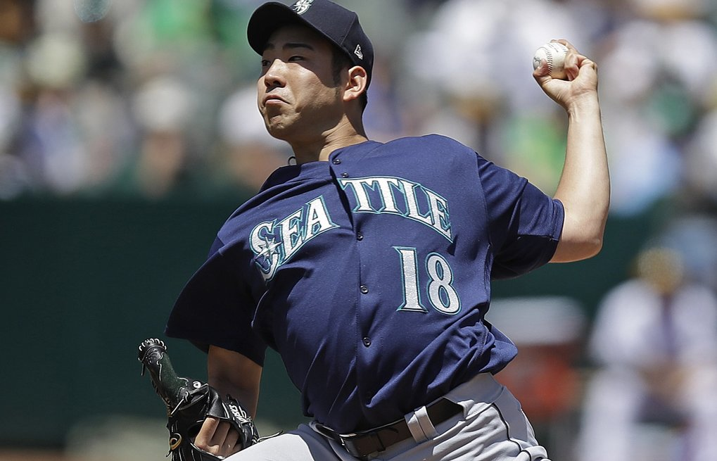 Seattle Mariners pitcher Yusei Kikuchi works against the Oakland Athletics in the first inning of a baseball game Saturday, May 25, 2019, in Oakland, Calif. (Ben Margot / The Associated Press)