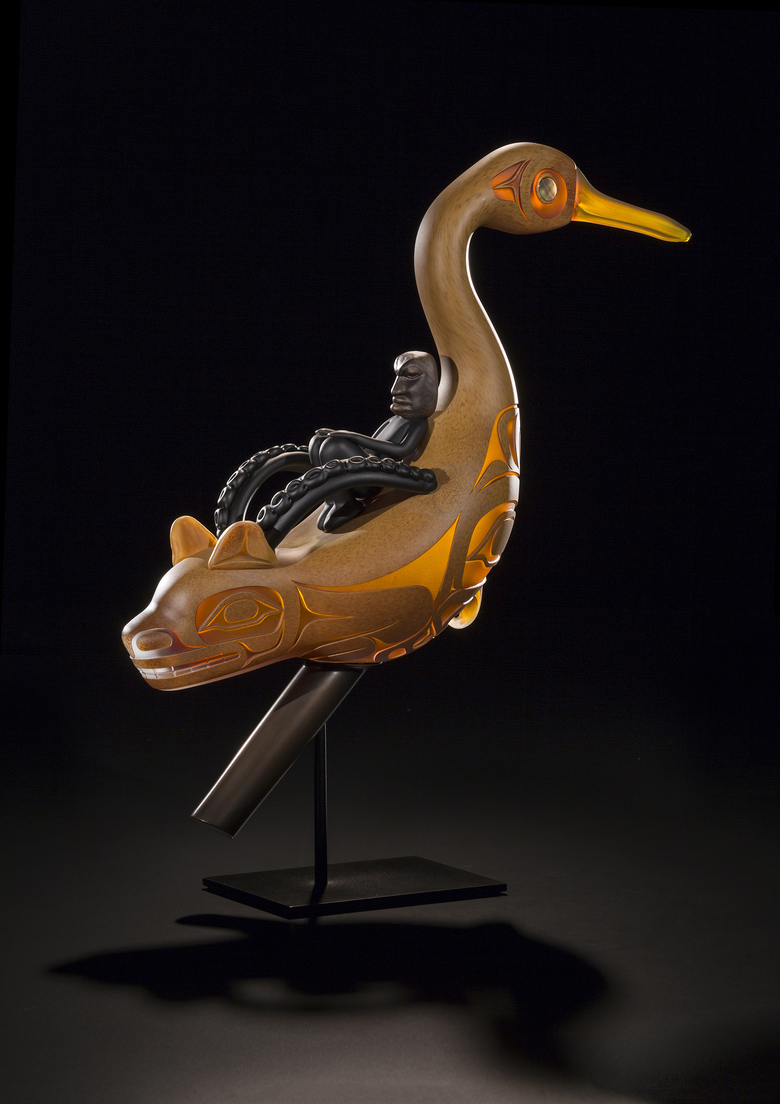 Éek Lukakees'i Sheishóox (Oystercatcher Rattle), blown and sand-carved glass. (Russell Johnson / Courtesy Preston Singletary, 2017)