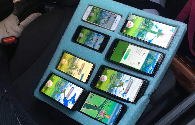 Washington State Patrol finds driver on shoulder playing Pokemon Go on 8 phones
