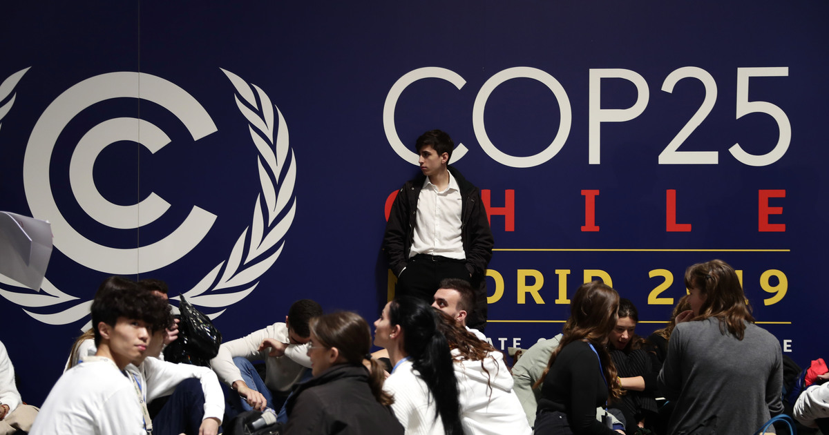 Nearly 200 countries attend ambitious climate talks