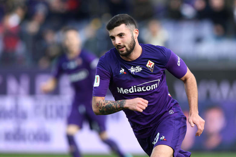 Fiorentina's Patrick Cutrone celebrates after scoring his side's first goal during an Italian Cup eightfinal soccer match, between Fiorentina and Atalanta at the Artemio Franchi stadium in Florence, Italy, Wednesday, Jan. 15, 2020. ( Jennifer Lorenzini/LaPresse via AP)
