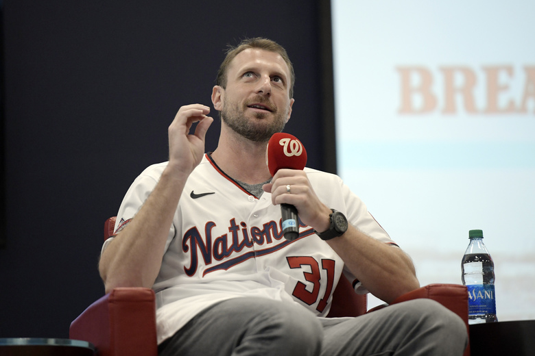 "Washington Nationals pitcher Max Scherzer talks during ""Breakfast with Bo"" at the team's ""Winterfest"" baseball fan festival, Saturday, Jan. 11, 2020 in Washington. (AP Photo/Sait Serkan Gurbuz)"