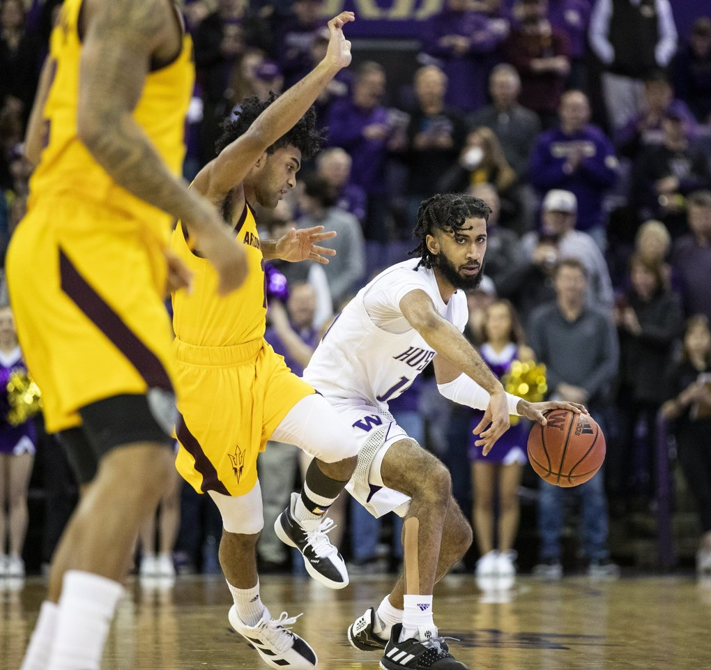Washington Huskies guard Marcus Tsohonis (15) looks to pass in a game against Arizona State Sun Devils on Saturday, Feb. 1, 2020 at Alaska Airlines Arena. (Amanda Snyder / The Seattle Times)