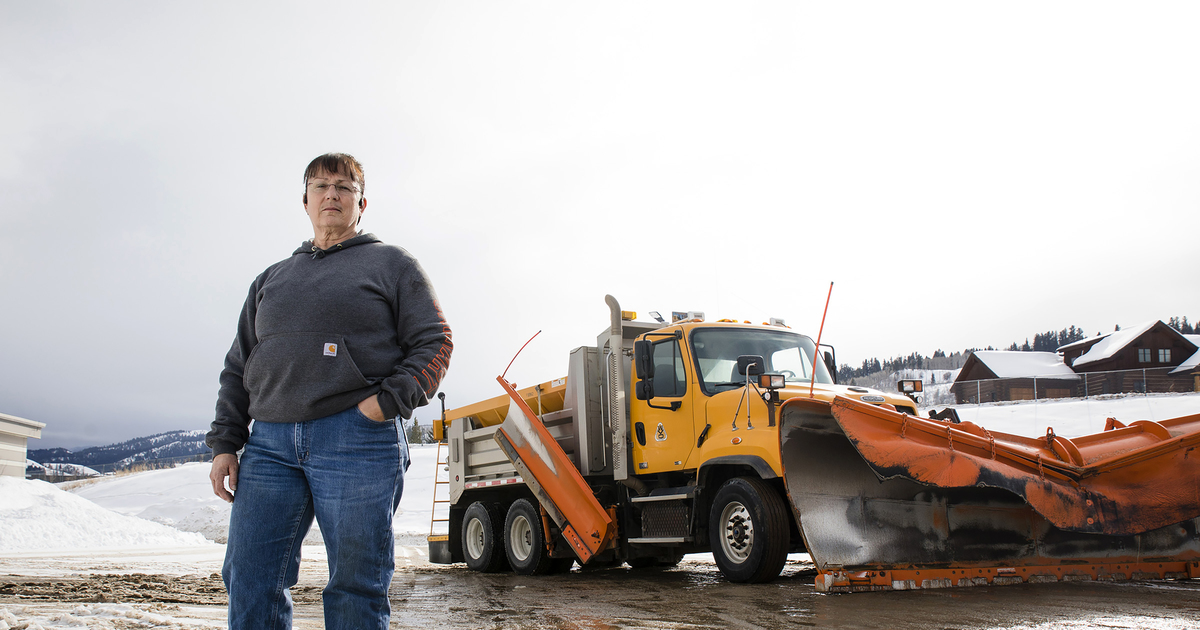 Lone woman on Wyoming snow plow team enjoys helping people