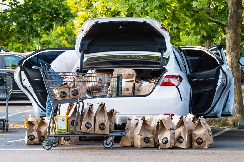 Amazon has no shortage of people looking for work in one of the few areas of the economy that is thriving amid the pandemic: e-commerce. The company's volume of deliveries, revenue and profits have surged, with Amazon Flex drivers playing a key role, particularly to serve the growing demand for grocery delivery. (Dreamstime / TNS)