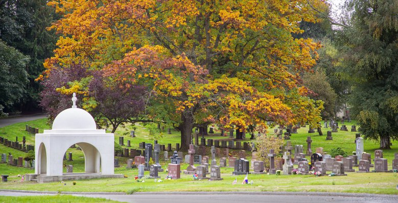 Evergreen Washelli Memorial Park in North Seattle spans both sides of Aurora Avenue North. In 1960, when the cemetery was under different ownership than today, the state Supreme Court ruled cemeteries could refuse burials based on race.  (Mike Siegel / The Seattle Times)