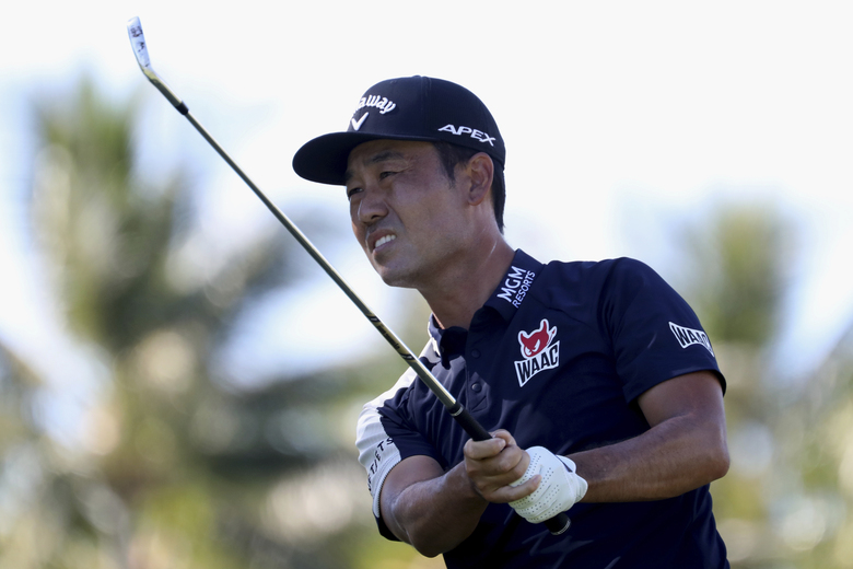 CORRECTS TO KEVIN NA NOT KEITH MITCHELL – Kevin Na follows his drive on the 11th tee box during the third round at the Sony Open golf tournament Saturday, Jan. 16, 2021, in Honolulu. (AP Photo/Marco Garcia)
