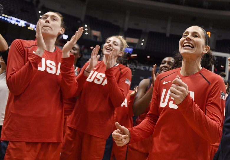 United States' Sue Bird, right, with Breanna Stewart, left, and Katie Lou Samuelson at the end of an exhibition basketball game, Monday, Jan. 27, 2020, in Hartford, Conn. (Jessica Hill / AP)