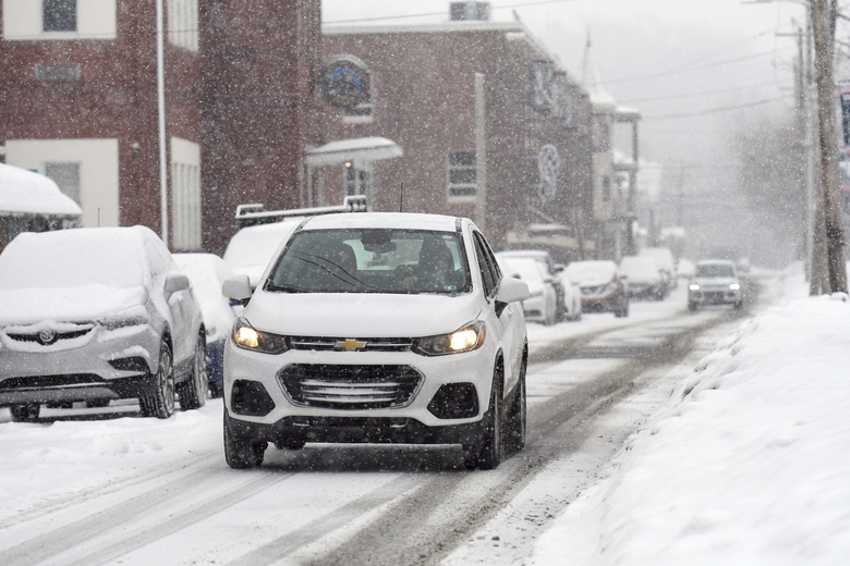 Parkway is nearly a whiteout during a morning snow in Schuylkill Haven, Pa., on Tuesday morning, Feb 9, 2021. (Jacqueline Dormer/Republican Herald via AP)